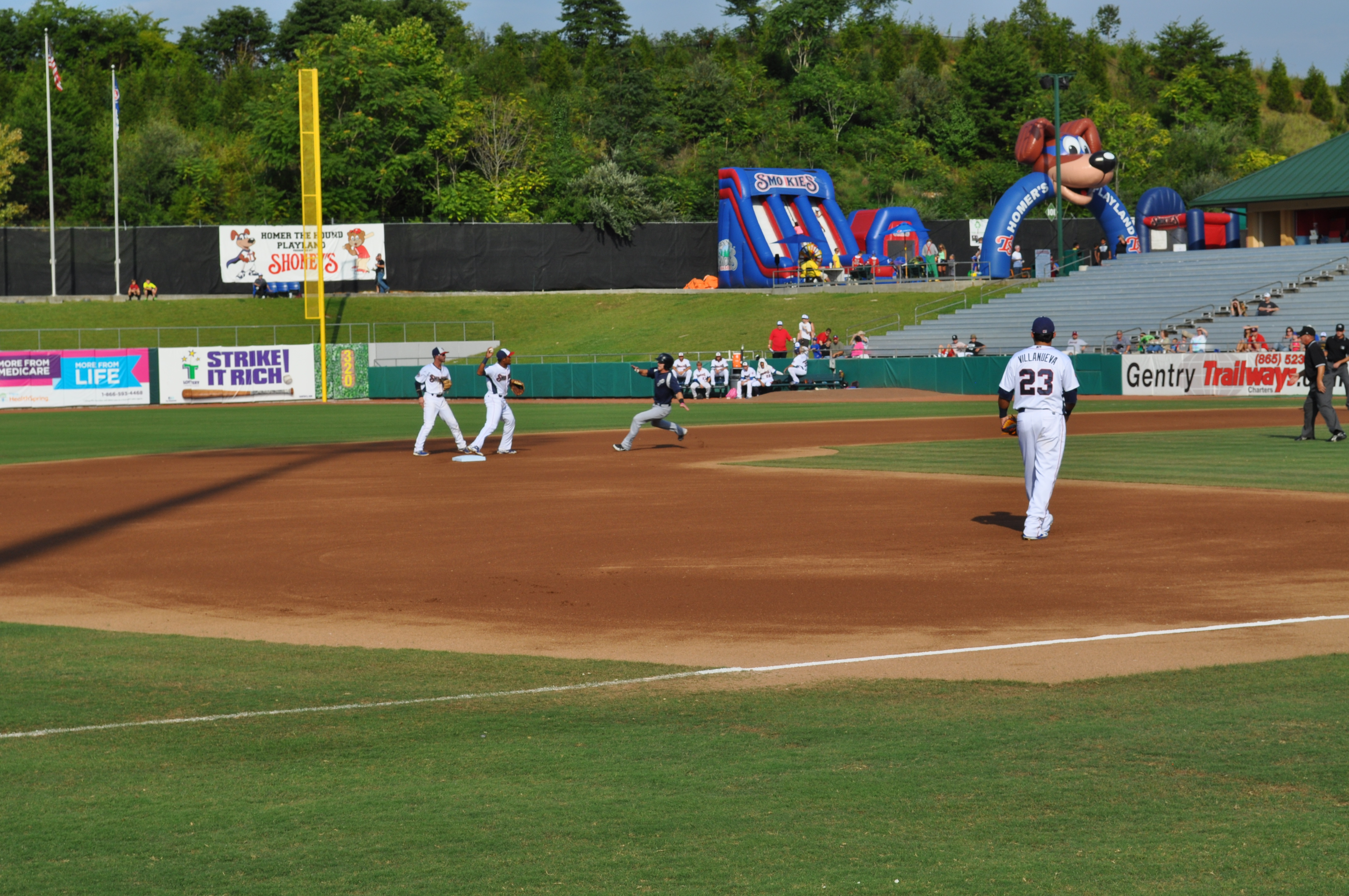 New Cubs super-prospect SS Addison Russell turning the back-end of a nice double-play to end the first inning.